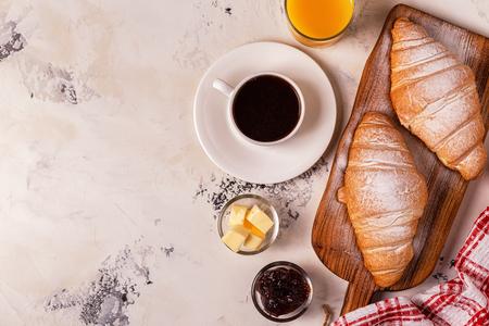 Delicious breakfast with fresh croissants. Top view. 版權商用圖片