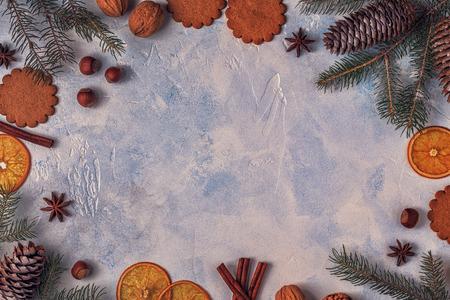 Fondo de piedra luz de Navidad. Vista superior con espacio de copia. Foto de archivo - 90947052