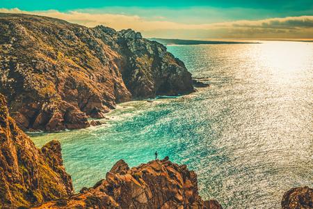 ポルトガル、リスボン地区、カボ・ダ・ロカのパノラマの海岸沿いの景色。 写真素材 - 95342152