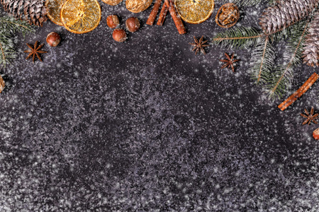 Christmas dark stone background. Top view with copy space. Foto de archivo - 109293983