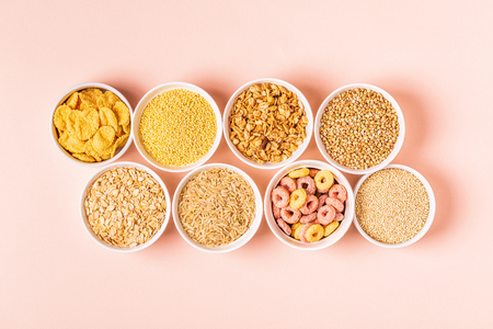 Ingredients for healthy breakfast - cereals, grains. Imagens