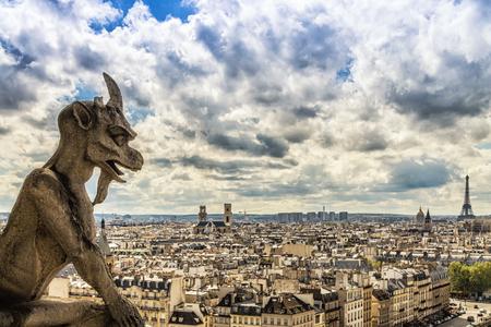 Gargouille sur la cathédrale Notre-Dame, Paris, France