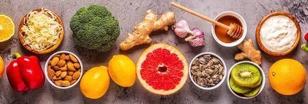 Gesunde Produkte zur Stärkung der Immunität und Erkältungsheilmittel, Ansicht von oben.