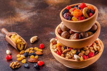 Healthy Snack of Nuts and Dried Fruit. Banco de Imagens