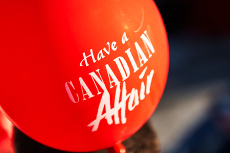 red Canadian affair flag white scripture balloon Imagens