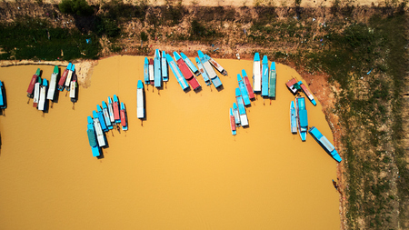 Bird eye Aerial drone view of blue touristic boats in Siem-Reap, Cambodia Banque d'images - 101018016