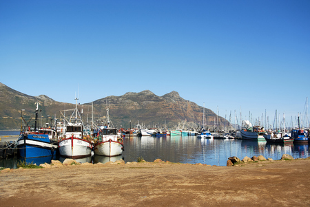 Hout Bay (Afrikaans: Houtbaai, meaning Wood Bay) is a town near Cape Town, South Africa situated in a valley on the Atlantic seaboard of the Cape Peninsula, twenty kilometres south of the Central Business District of Cape Town. The name Hout Bay can r Redactioneel