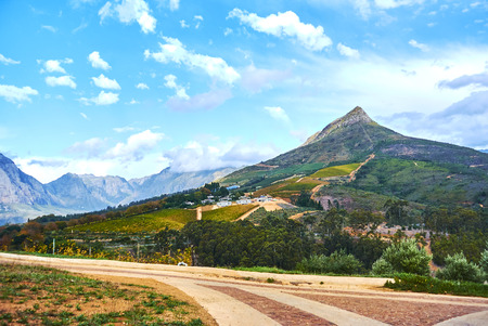 Stellenbosch is a town in the Western Cape province of South Africa, situated about 50 kilometres (31 miles) east of Cape Town Banque d'images - 103028533