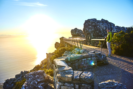 Table Mountain National Park, previously known as the Cape Peninsula National Park, is a national park in Cape Town, South Africa, proclaimed on 29 May 1998, for the purpose of protecting the natural environment of the Table Mountain Chain, and in particu Banque d'images - 103031391