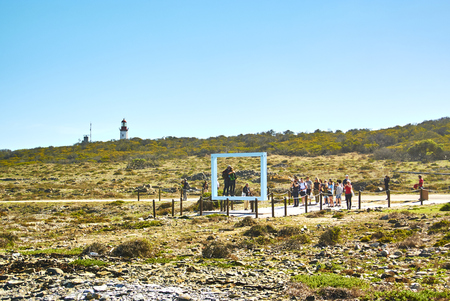 Robben Island (Afrikaans: Robbeneiland) island in Table Bay, west of the coast of Bloubergstrand, Cape Town, South Africa. Banque d'images - 105564410