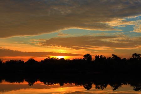 atmosfera: Hermoso ambiente del cielo al atardecer Foto de archivo