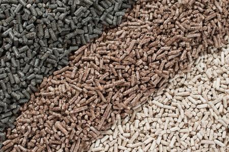 biomasse: Different kind of pellets- oak, pine,sunflower