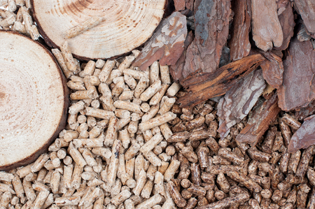 holzbriketts: Zwei Arten von Pellets und Materialien aus