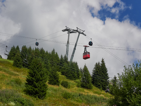 Cable car, gondola and chair lift from 1400m to 2000m altitude in Sinaia, Romania
