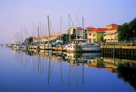 Eine Reihe von Yachten angedockt in Port Royal - Pensacola, Florida Standard-Bild - 6992601