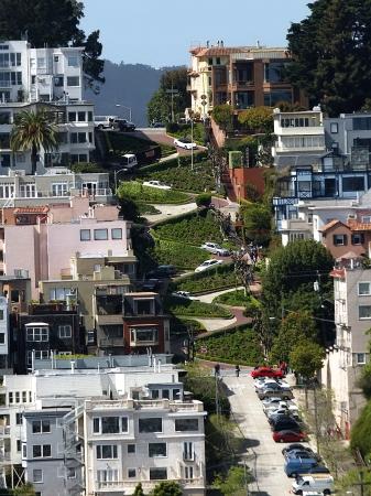 Lombard Street on Russian Hill-San Francisco, California