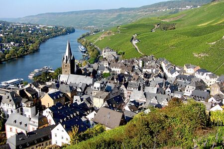 tourisms: Overlooking the town of Bernkastel  Germany. The town is a wellknown winegrowing centre on the Middle Moselle in the BernkastelWittlich district in RhinelandPalatinate Germany.