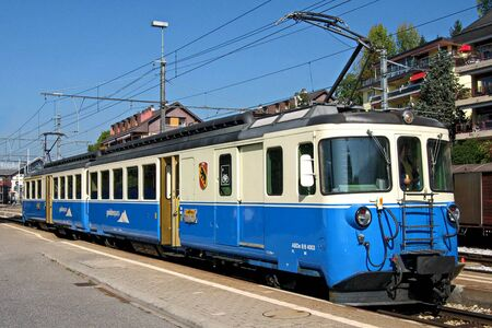 mob: A twin railcar from the Montreux-Oberland Bernois railway MOB at the railway station in Chernex, Switzerland