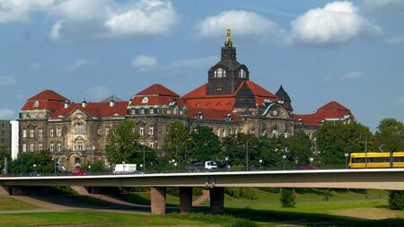 chancellerie: A landmark in Dresden, Germany serving the Saxon State Chancellery and the State Ministry for Environment and Agriculture �ditoriale