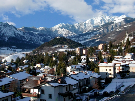 cloud capped: Clusone is a town situated in the province of Bergamo, Lombardy, Italy. It is home to several ski resorts.