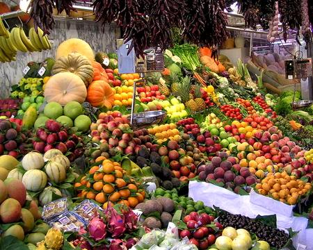 Fruit on display at La Boqueria market in Barcelona, Spain Banco de Imagens