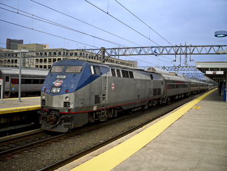shore line: A Shore Line East train arriving at New Haven Union Station in Connecticut