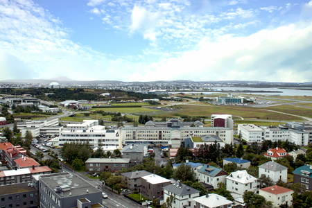 Aerial view of Skolavordustigur, Reykjavík, Iceland Standard-Bild - 115064615