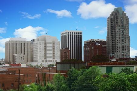 The skyline of downtown Raleigh, North Carolina, USA Standard-Bild - 117353700
