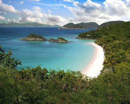 Beach on Trunk Bay, U.S. Virgin Islands Standard-Bild - 117353281