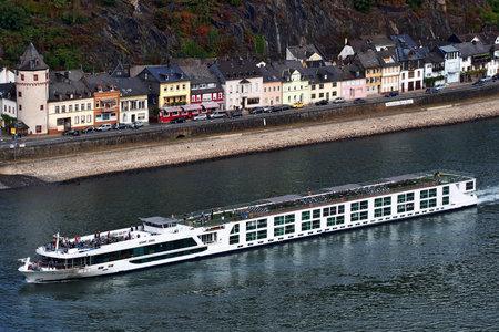 A cruise ship on the Rhine river in Germany Standard-Bild - 117320150