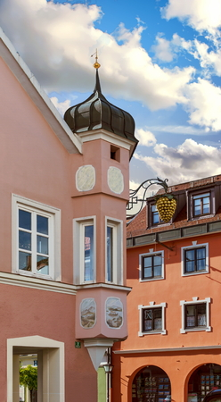 Old world architecture in the market town of  Murnau am Staffelsee, Bavaria, Germany Standard-Bild - 117353445