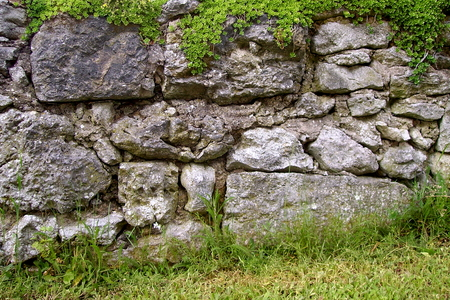 Ancient stone wall in the region of Upper Franconia, Germany Standard-Bild - 117353448