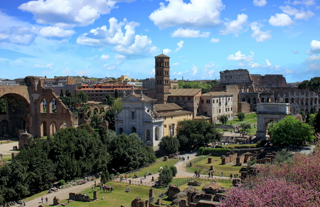 View of the Roman Forum and Colosseum, Rome, Italy Standard-Bild - 120550706