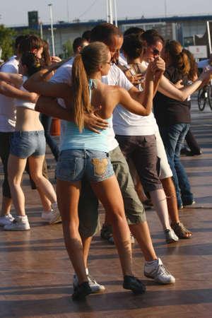 tanga: Festival di danze latine Zumba, rumba, samba, salsa, tenutasi a Belgrado, Serbia nel mese di agosto 2011.organized dalla Organizzazione Turistica di Belgrado
