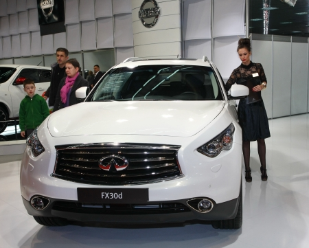 salon automobile: 51e Salon de l'auto international de Belgrade, Mars 2013.Infiniti FX30d �ditoriale