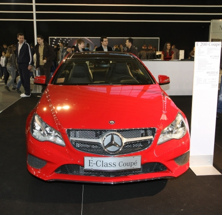 salon automobile: 51e Salon de l'auto international de Belgrade, Mars 2013.Mercedes E 200 coup� �ditoriale