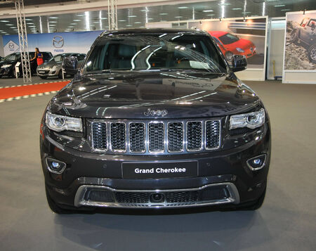 salon automobile: Jeep Grand Cherokee � BG Salon de l'Auto et Moto Salon international de Belgrade en Serbie Mart 2014 �ditoriale