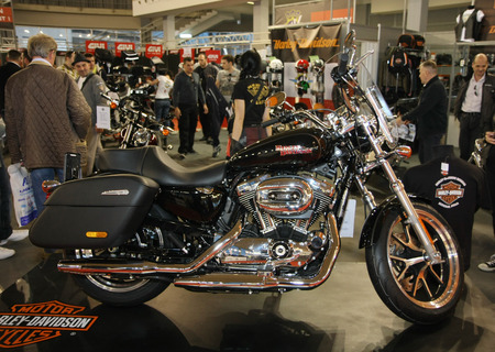salon automobile: Harley-Davidson SuperLow XL1200T � BG Salon de l'Auto et Moto Salon international de Belgrade en Serbie Mart 2014