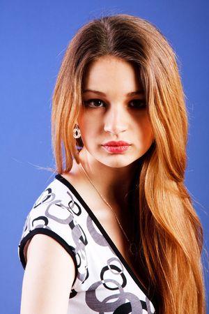 Portrait d'une jeune fille s?duisante belles jeunes