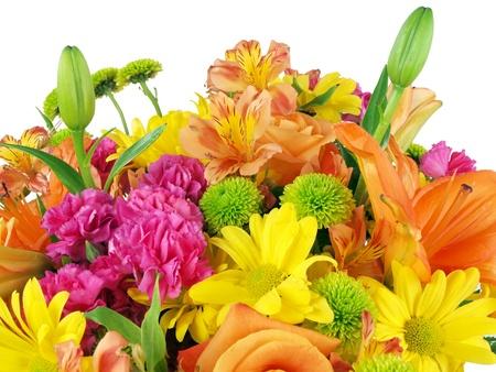 bouquet fleur: Pr�s d'un bouquet de fleurs sur un fond blanc Banque d'images