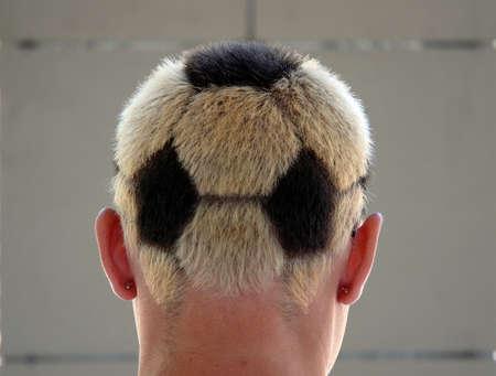 サッカー散髪