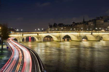 seine: Seine-rivier en de oude brug in Parijs Stockfoto