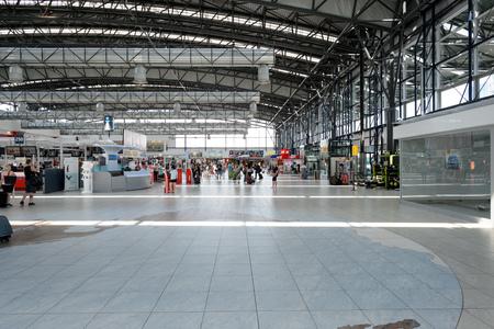 PRAGUE, RÉPUBLIQUE TCHÈQUE - 4 août 2015: l'aéroport de Prague intérieur. l'aéroport international de Prague est le principal aéroport de République tchèque