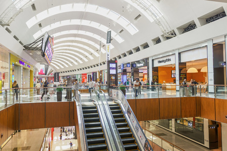 DUBAI - OCTOBER 15, 2014: interior of the Dubai Mall. The Dubai Mall located in Dubai, it is part of the 20-billion-dollar Downtown Dubai complex, and includes 1,200 shops. 에디토리얼