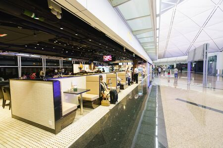 HONG KONG - NOV 06: luchthavenrestaurant op 06 November, 2014 in Hong Kong, China. Hong Kong airpor in een van de beste luchthavens in het jaarlijkse passagiersonderzoek van Skytrax. Redactioneel