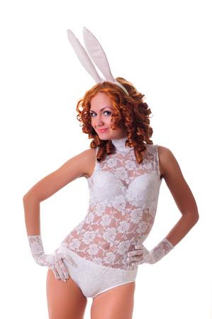Beauté jeune femme en lingerie blanche posant en studio, isolé sur blanc Banque d'images