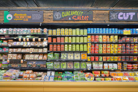 CHICAGO, IL - CIRCA MARCH, 2016: inside of Whole Foods Market. Whole Foods Market Inc. is an American supermarket chain exclusively featuring foods without artificial preservatives, colors, flavors, sweeteners, and hydrogenated fats. 報道画像