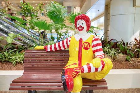 SINGAPORE - CIRCA NOVEMBER, 2015: Ronald McDonald character in Singapore Changi Airport. Ronald McDonald is a clown character used as the primary mascot of the McDonald's restaurant chain. Redakční