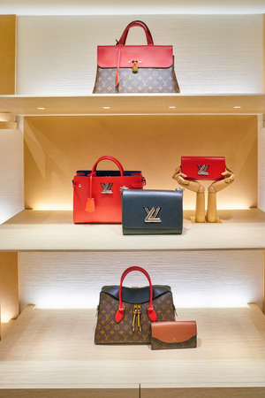 MILAN, ITALY - CIRCA NOVEMBER, 2017: bags on display at Rinascente. Rinascente is a collection of high-end stores. 報道画像