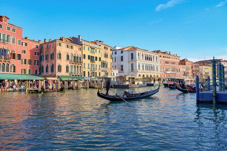 WENECJA, WŁOCHY - OKOŁO MAJA 2019: widok na Canal Grande w Wenecji, Włochy. Publikacyjne